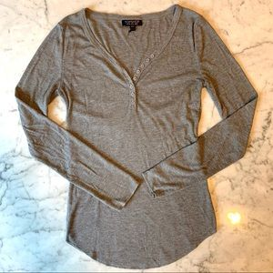 Topshop size 6 long sleeve button down tee.
